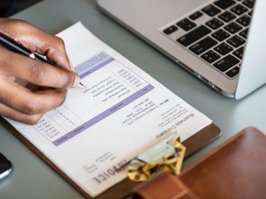 Billbooks-vs-Freshbooks-vs-Zoho-Invoice